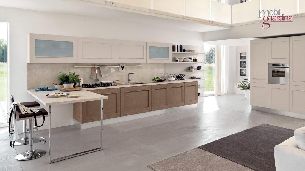 cucina gallery in legno chiaro e scuro
