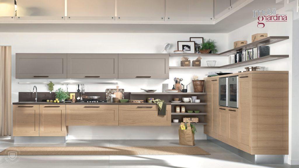 cucina gallery in lengo chiaro e grigio