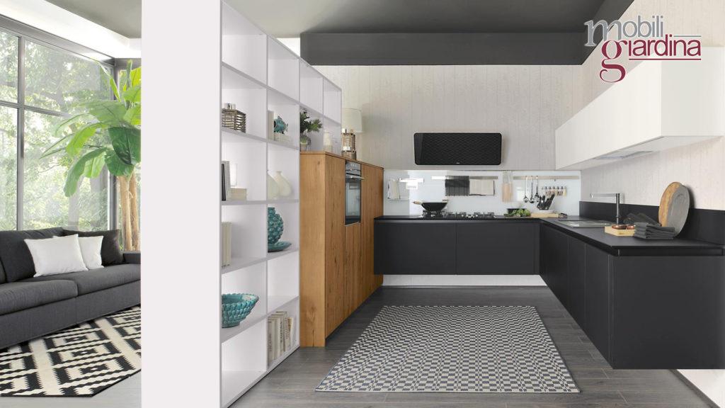 cucina oltre con sportelli neri