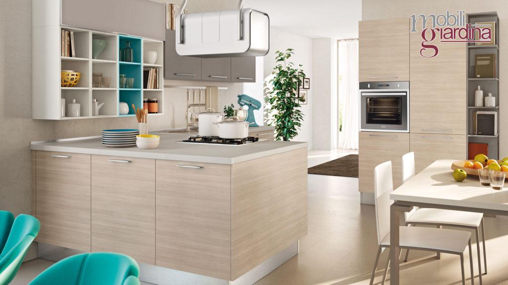 cucina swing in legno chiaro penisola